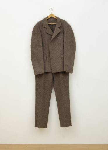 art: Joseph Beuys:  costume  de feutre