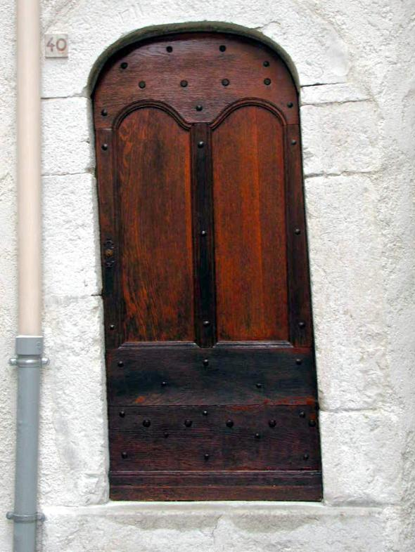 photo perso  2006  Mons ( 06), porte oblique