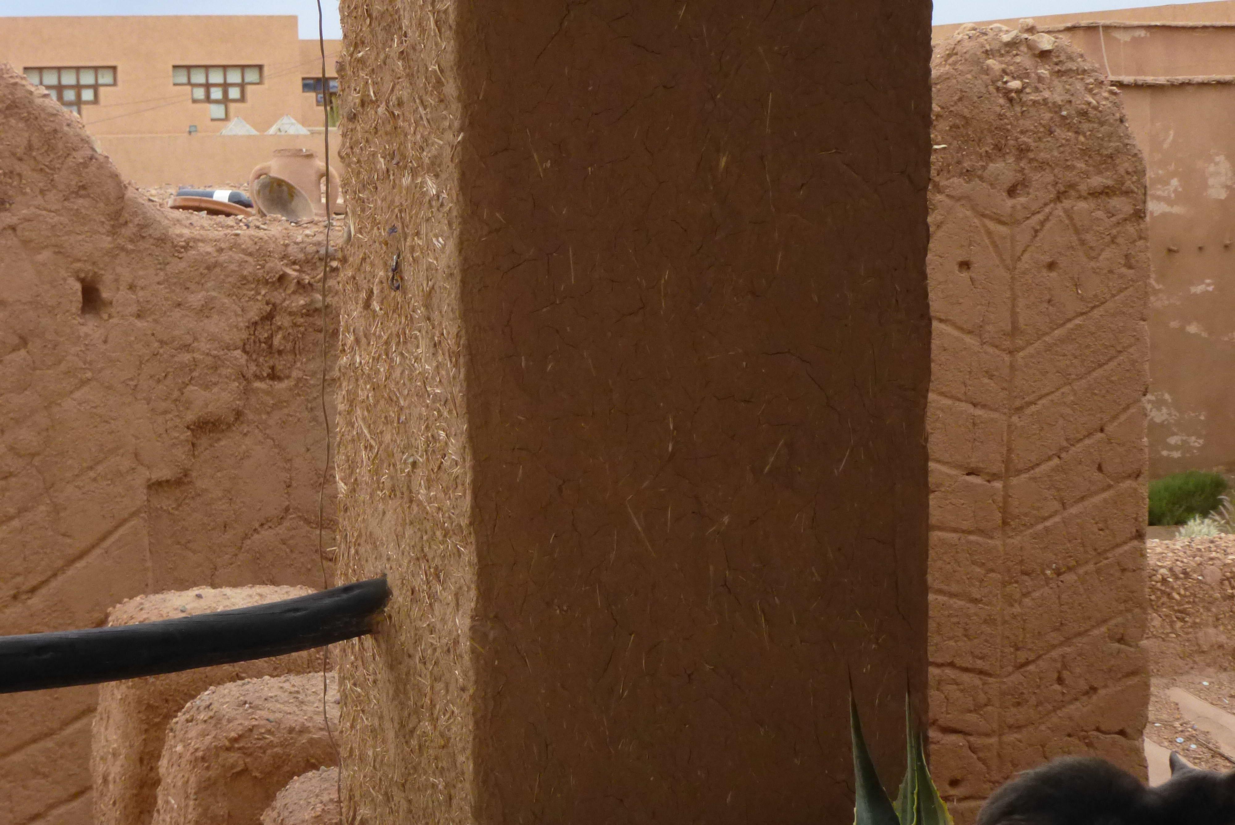 photo perso  architecture de terre    - Ouarzazate - Maroc  2013