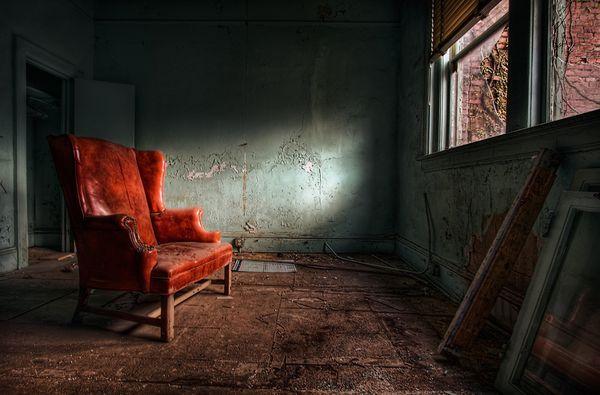 """Résultat de recherche d'images pour """"national geographic red chair"""""""