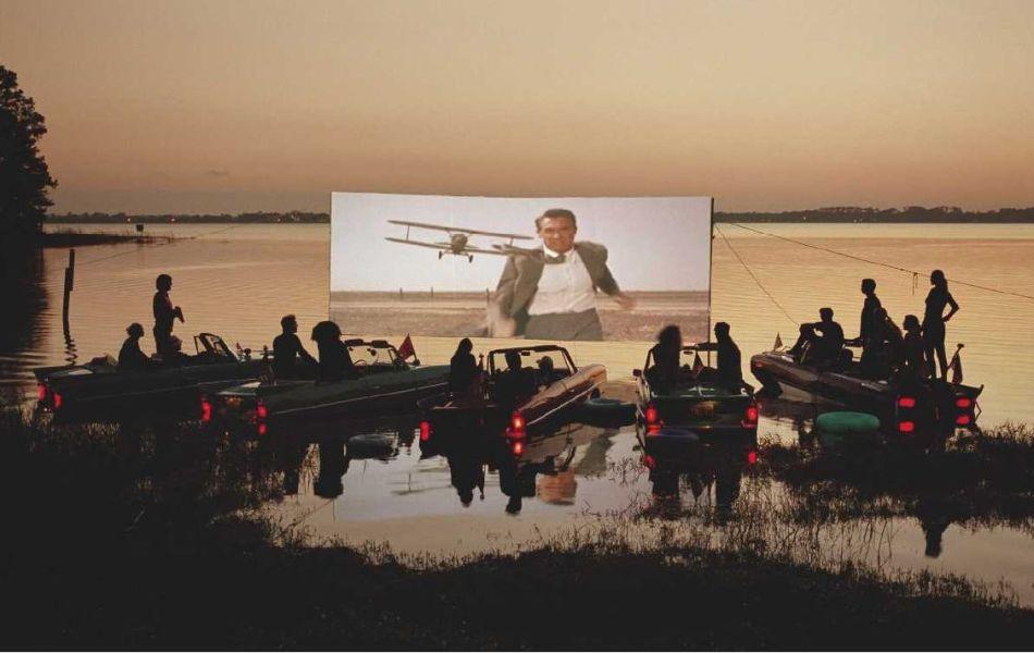 Photo Tim Walker--drive boat - cinema   mort aux  trousses