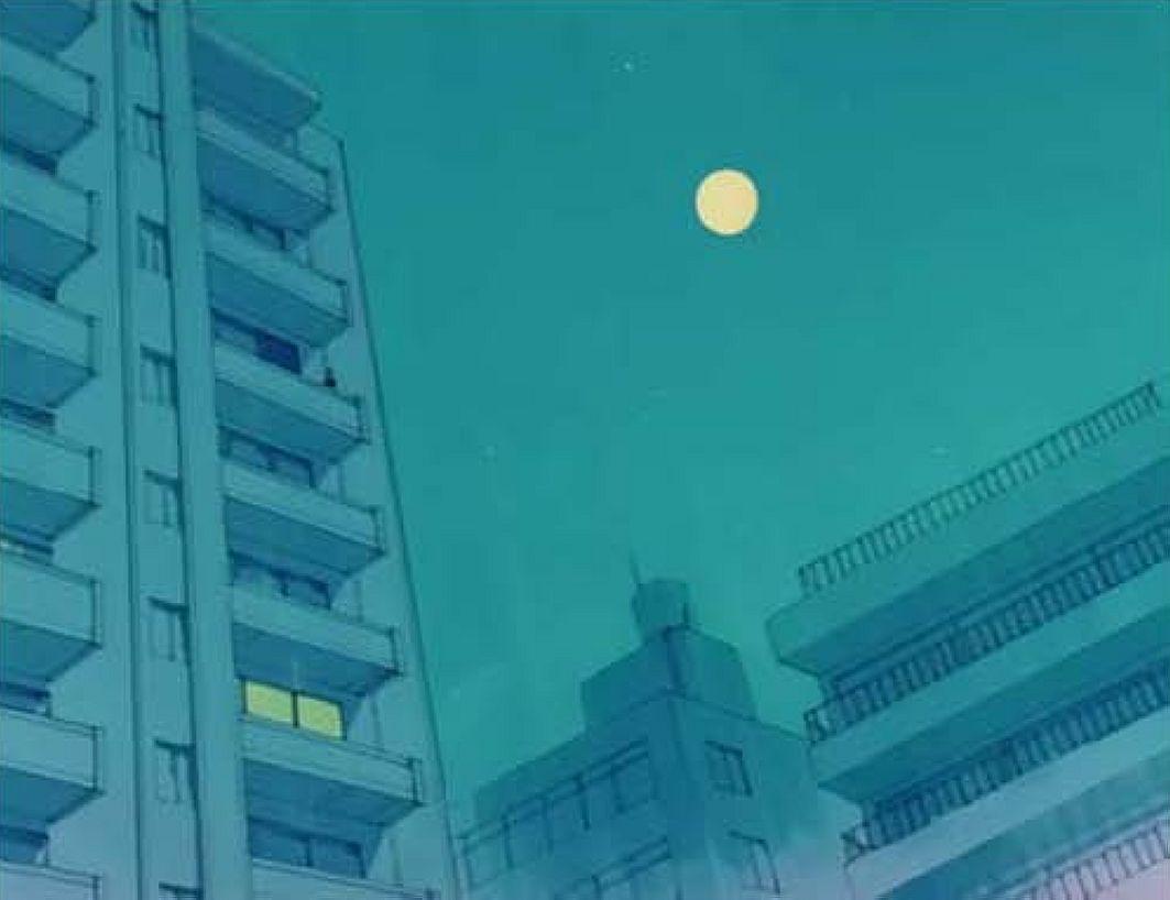 lune  &  immeubles  sur  bleu