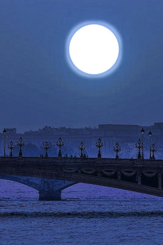 lune----  pont  Alexandre  III.jpg