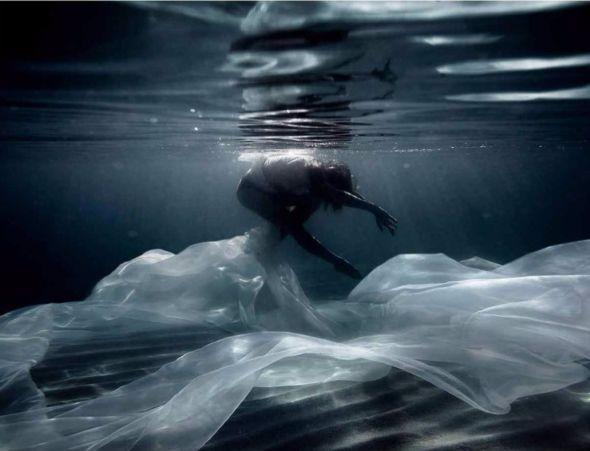Aldara  Ortega           sous l'eau  05.jpg