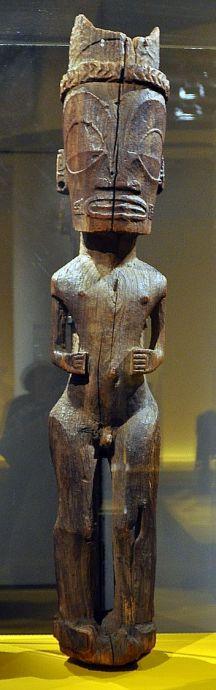32 figure de Dieu ou d'ancêtre Iles Marquises